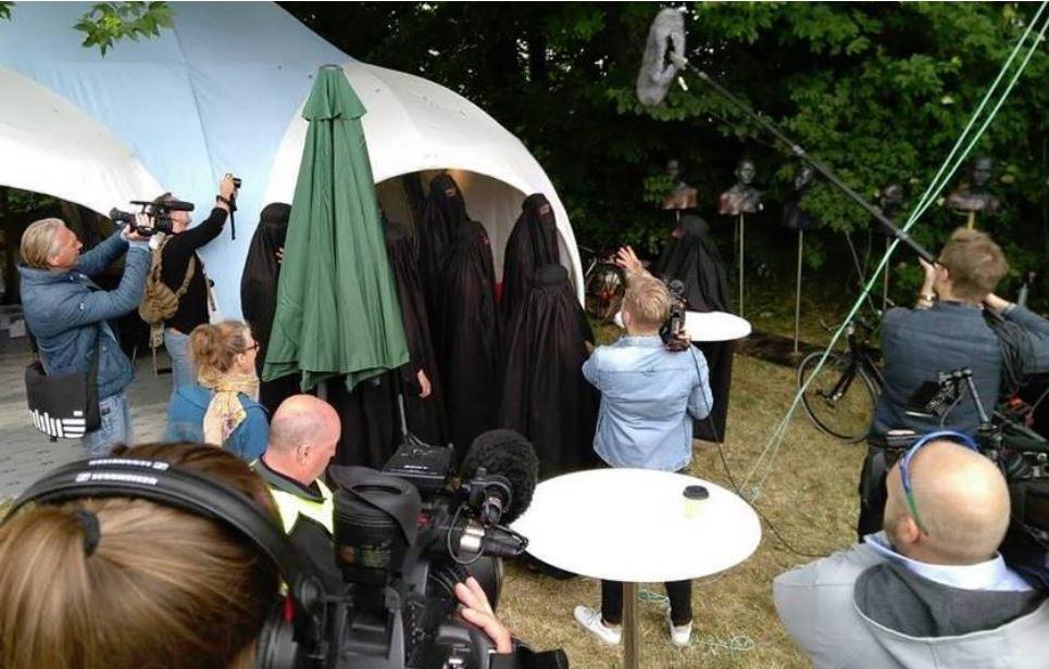 Burka_happening_billede2