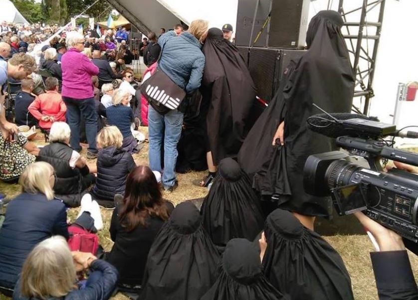 Burka_happening_billede6